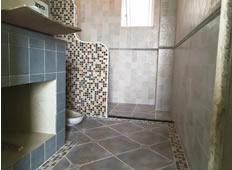 金楠尚府王先生家做瓷砖台洗面盆,待安装门板