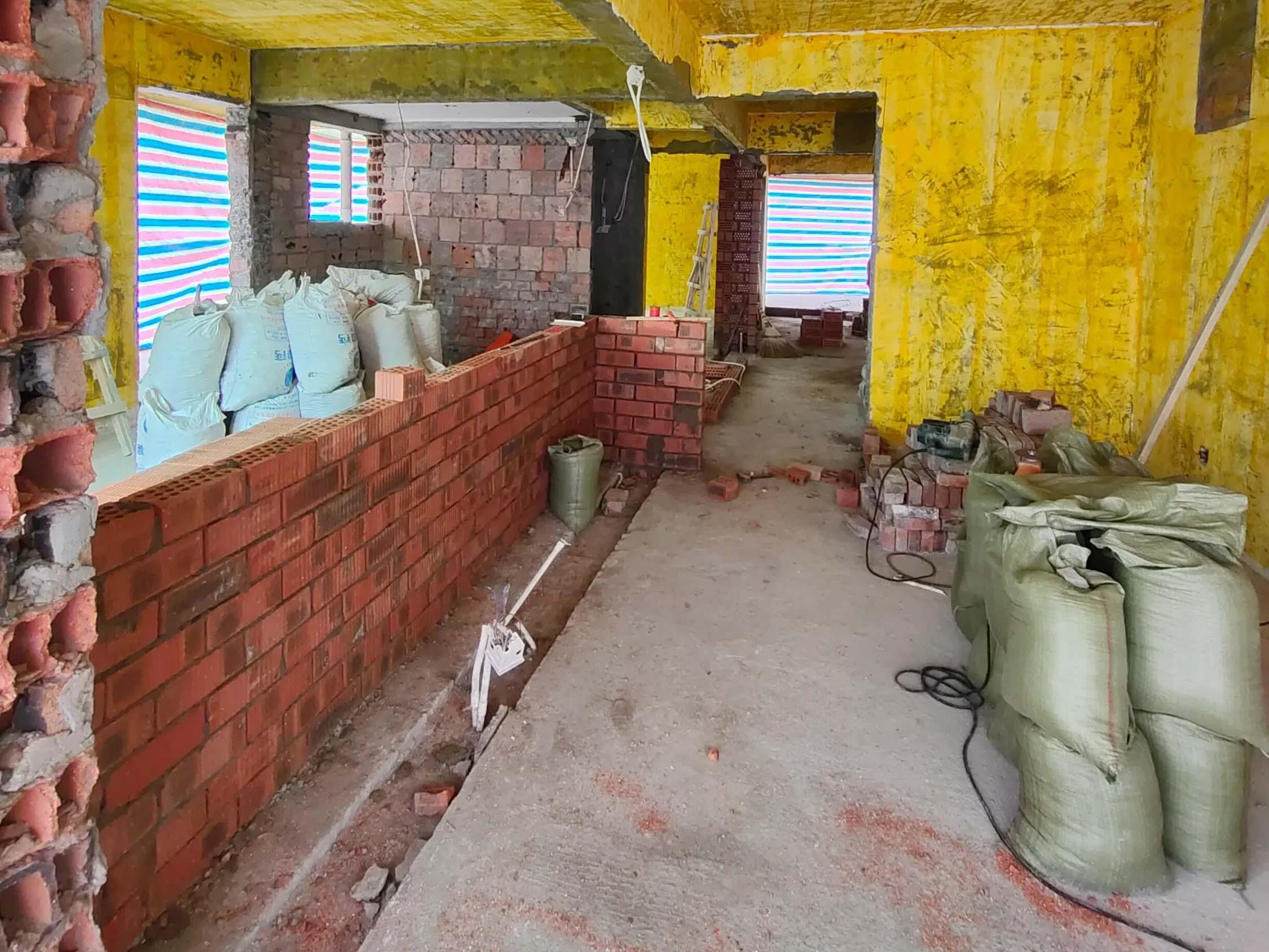 成都装修工地光华杏林,新建墙体施工现场