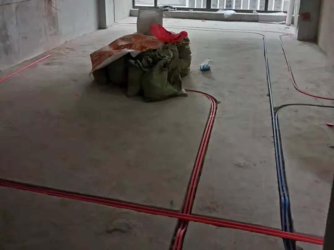 成都装修工地保利宸光和悦,水电改造施工现场