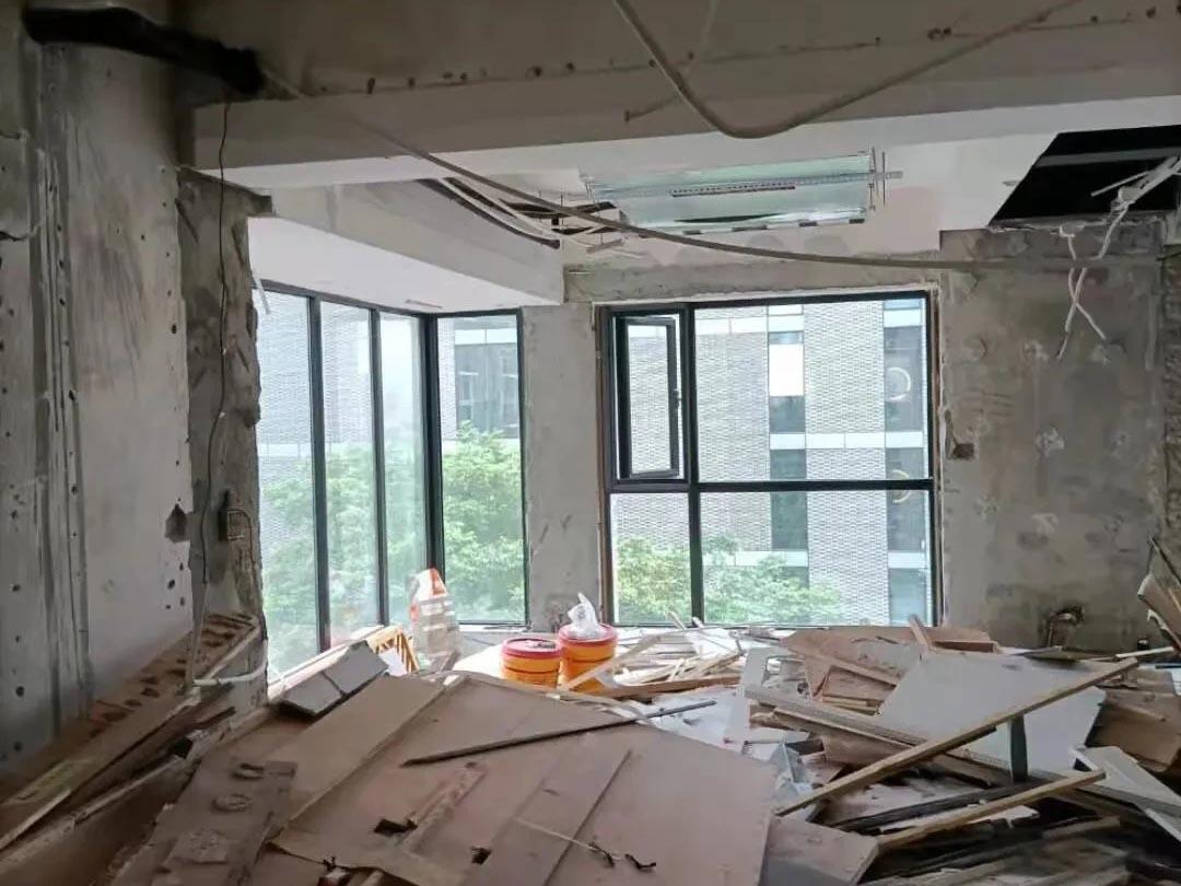 成都装修工地东顺城南街可园,二手房打拆施工现场