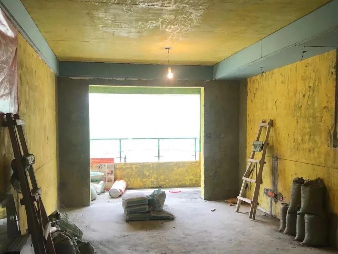 成都装修工地王府花园,客厅卧室吊顶施工完毕