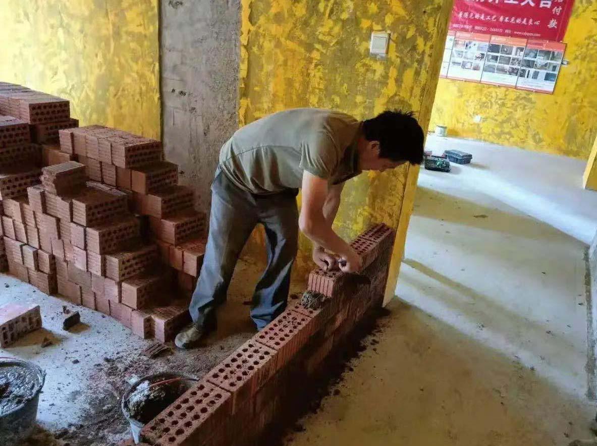 成都装修工地九龙仓时代上城,新建墙体施工现场