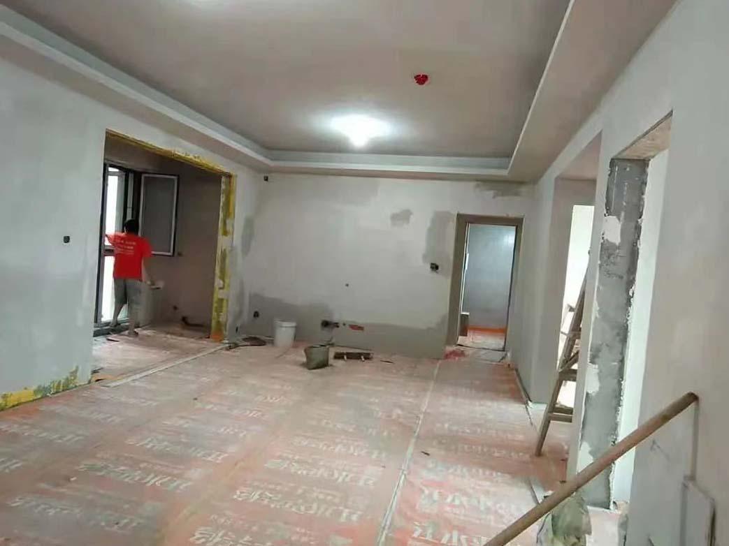 成都装修工地成发紫悦府,墙面石膏找平施工