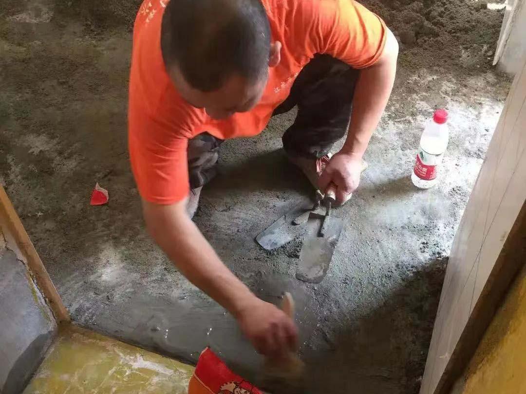 成都装修工地派克公馆,厨卫墙砖施工现场