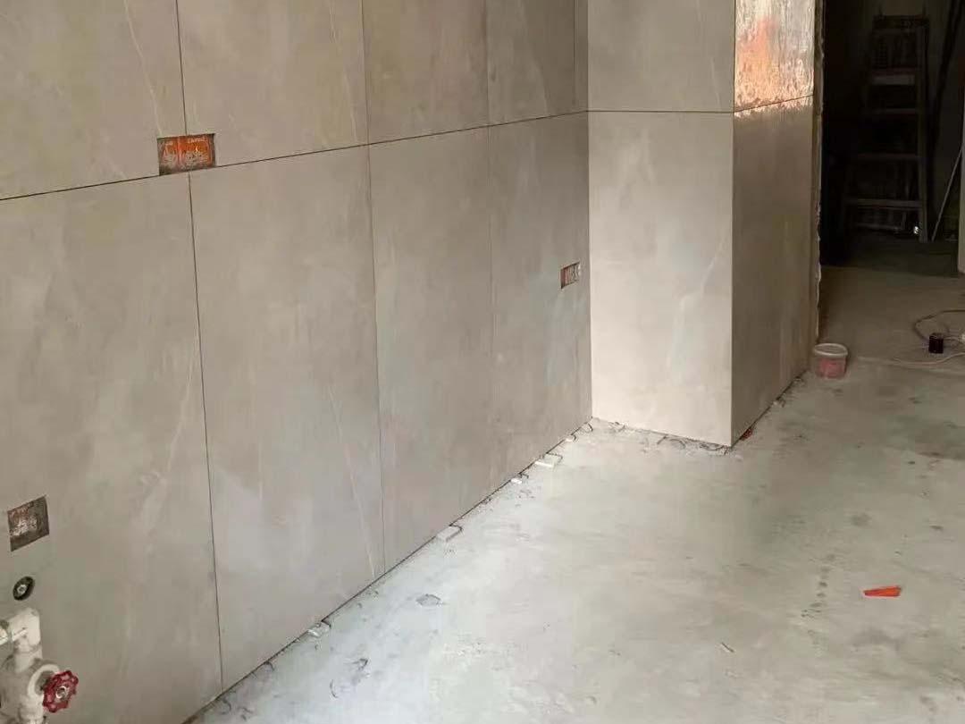成都装修工地保利辰光和悦,厨卫砖施工现场