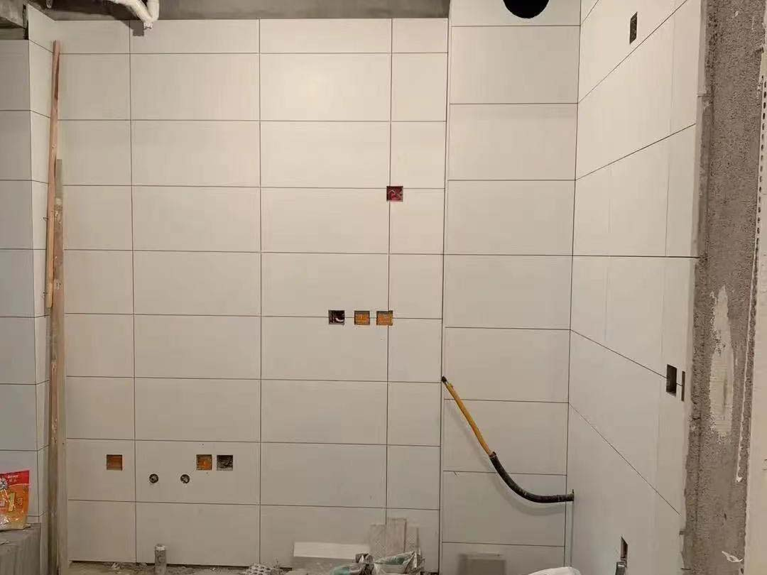 成都装修工地花千集,厨卫墙砖施工现场