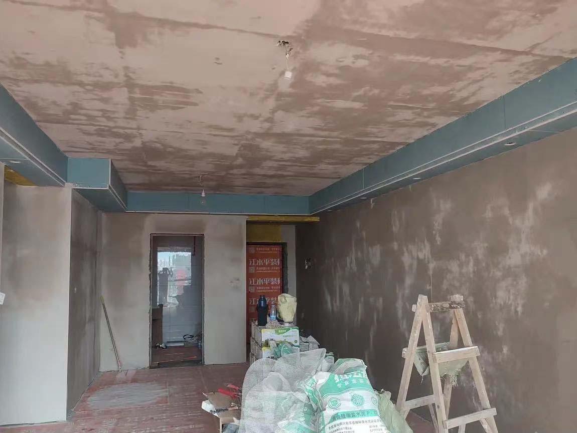 成都装修工地颐和京都,墙面阴阳角找平施工现场